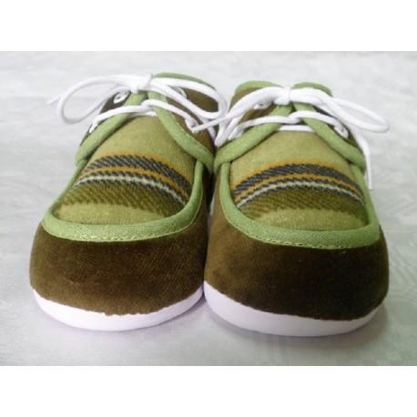 Zapatos primera puesta verde recién nacido suela blanda