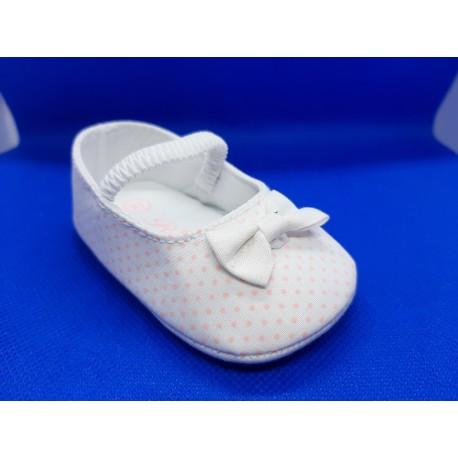 Bailarinas blancas puntos recién nacidas
