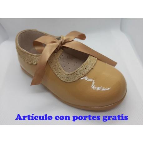 Zapatos Merceditas camel lazo infantiles  bebés  niñas. Bailarinas.