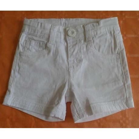 pantalones cortos blancos bebés niños